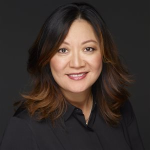 head shot of Janet Han Vissering