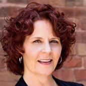 head shot of Lynne Carter