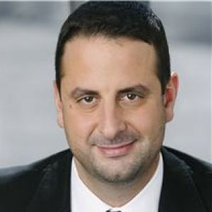 head shot of Amir Shahkhalili