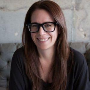 head shot of Havva Eisenbaum