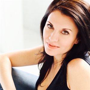 head shot of Rebecca Gibson