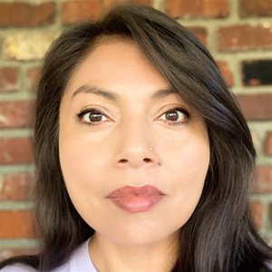 head shot of Pamela Aguilar