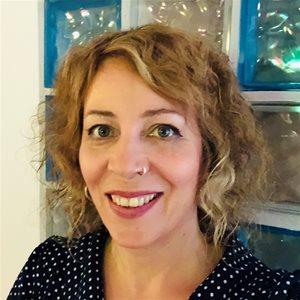 head shot of Kerstin Viehbach