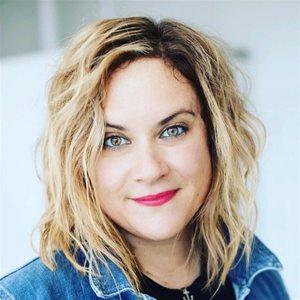 head shot of Kerri Borsuk