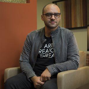 head shot of Mauricio Mota