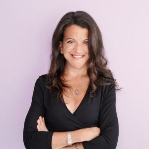 head shot of Debra Birnbaum