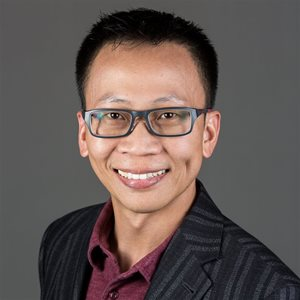 head shot of Gregory Pang