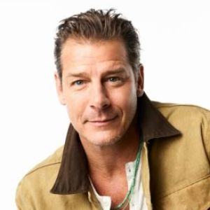 head shot of Ty Pennington