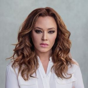 head shot of Leah Remini