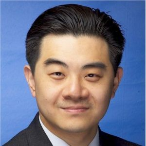 head shot of Ray Wu