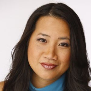 head shot of Hanh Nguyen