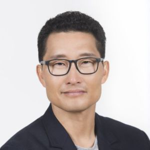 head shot of Daniel Dae Kim