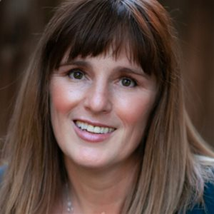 head shot of Amanda Spain