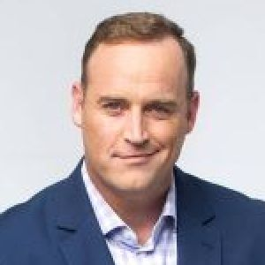 head shot of Matt Iseman