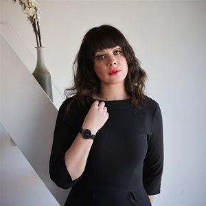 head shot of Lauralee Sheehan