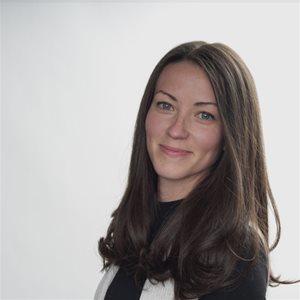 head shot of Maggie  Reid