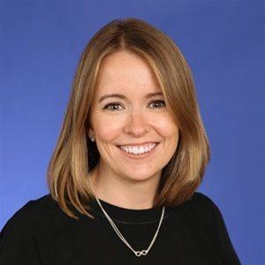 head shot of Lauren Bull