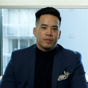 head shot of Sean Huang