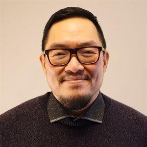 head shot of Alan Wong